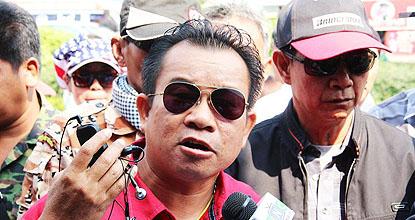 Pathum Thani red-shirt leader Wuthipong Kachathamkul, known as Ko Tee