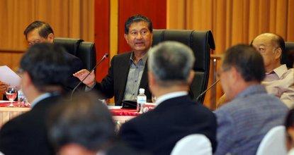 Chalerm Yubamrung chairs the Capo meeting Thursday.