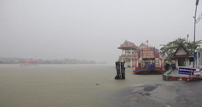 Water levels have risen sharply in Pak Phanang district of Nakhon Si Thammarat province.