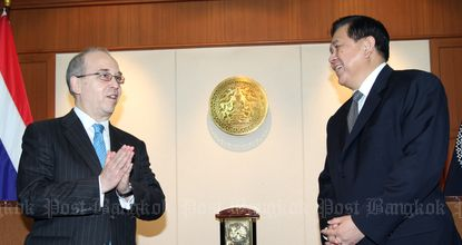 Mr Russel meets Foreign Affiars Minister Tanasak Patimapragorn at the ministry during his visit to Thailand on Jan 26, 2015. (File photo by Apichart Jinakul)
