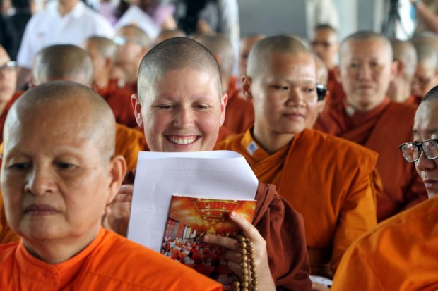 Bhikkhunis and Sikkhamana take part in a seminar about their role in Thai society at the Buddhadasa Indapanno Archives centre, following the controversial ordination of women in Songkhla last November. (Photo by Apichart Jinakul)