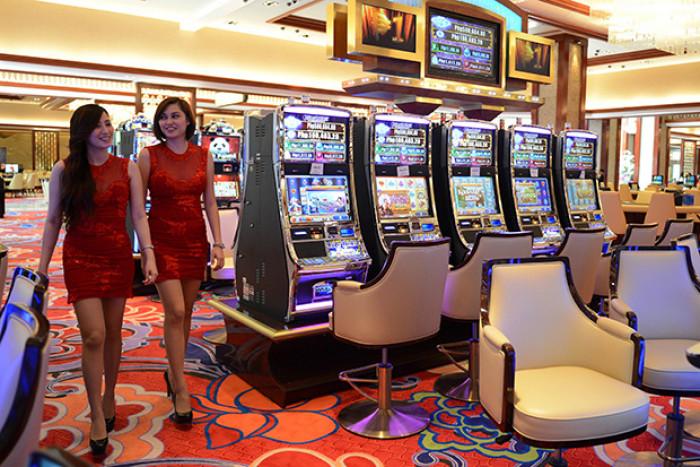 Slot machines bank