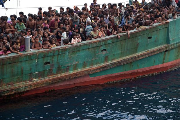 Rohingya migrants on a boat drifting in Thai waters off the southern island of Koh Lipe in the Andaman. (AFP photo)