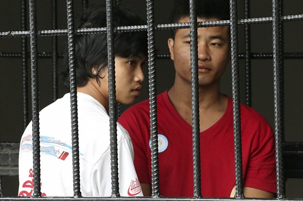 The Koh Tao murder hearings begin on Wednesday, but in addition to the defendants Zaw Lin and Wai Phyo and the situation of migrant workers, the fairness of justice also is in the dock. (Reuters photo)