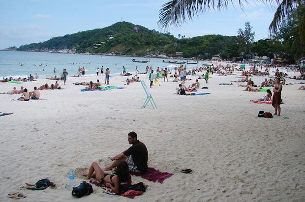 Foreign tourists enjoy Rin beach on the popular Phangan island. (Bangkok Post file photo)