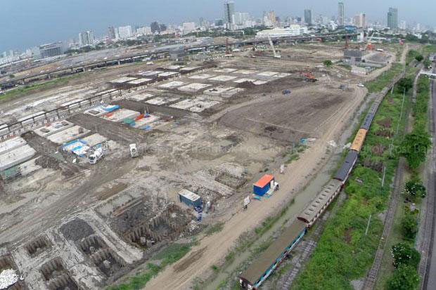 The vast compound of the Bang Sue train station in Bangkok is be expanded into a major transport hub, including a 68-billion-baht commercial development with private sector investment. (Photo by Krit Promsaka na Sakolnakorn)