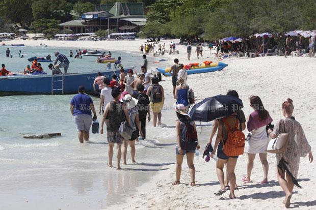 Koh Larn, an island off Pattaya in Chon Buri province, is popular with tourists. (Bangkok Post file photo)