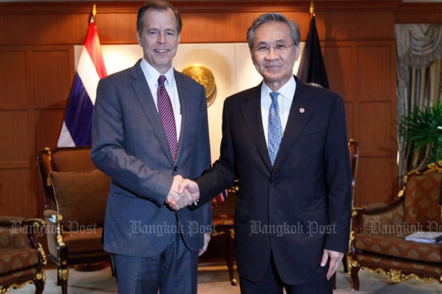 US ambassador Glyn Davies, left, meets Foreign Minister Don Pramudwinai at the latter's office on Thursday. (Photo by Jiraporn Kuhakan)
