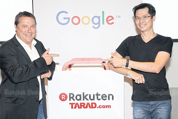 Rakuten managing director Pawoot Pongwittayapanu (right) and Matt Heller, head of channel sales for Google in Southeast Asia, attend yesterday's press briefing on the companies' digital advertising partnership.