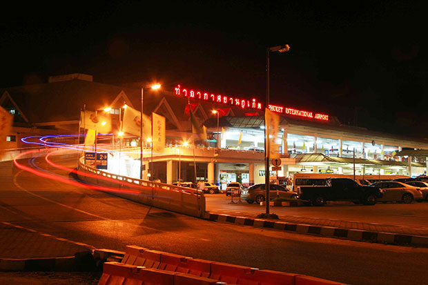 A night view of Phuket International Airport. The congested airport was among smaller airports in Asia Pacific to register the highest growth in passenger volumes in August. (Photo: AoT)
