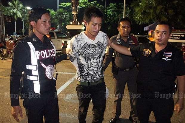 Police arrest Pvt Santirat Raksapakdi, 21, on murder charges after allegedly stabbing to death his former girlfriend outside a convenience store in Pattaya Thursday night.