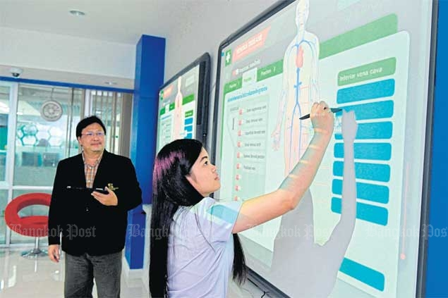 Chiang Mai University (CMU) is using digital technology to improve teaching and learning systems. photos by NOPHA AROONPHUN