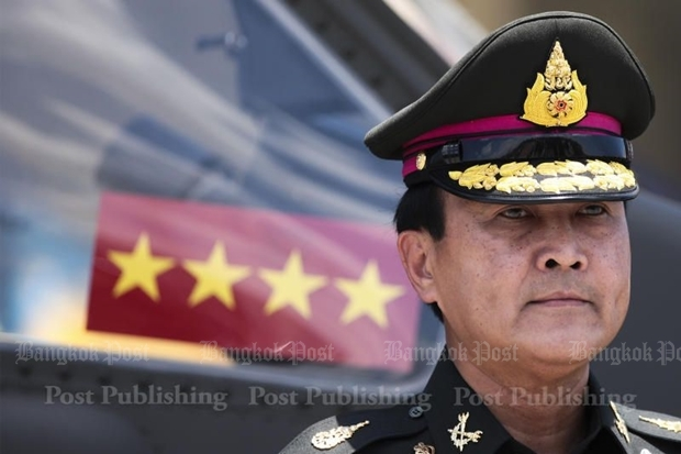 There is now direct pressure on Deputy Defence Minister and former army commander General Udomdej Sitabutr to quit and try to relieve pressure on the government over the growing Rajabhakti Park corruption scandal. PATIPAT JANTHONG