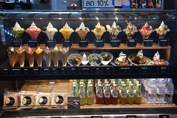 Desserts, bakery items and drinks can be found in St. Marc Cafe, a Japanese bakery restaurant brand that opened in Bangkok's CentralWorld shopping centre yesterday.