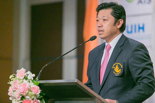 Suphachai Chearavanont, president of Telecommunications Association of Thailand (TCT), addressed the seminar. (Photo supplied by the association)