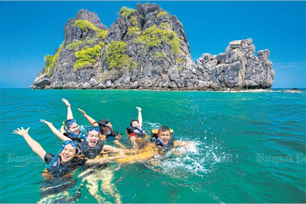Tourists enjoy snorkelling near Koh Ngam Yai and Koh Ngam Noi. Photos courtesy of the Tourism Authority of Thailand