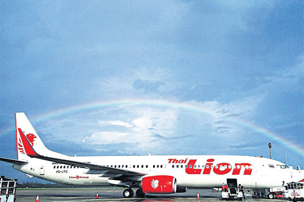Under the rainbow: Thai Lion Air recently took delivery of its 19th Boeing 737 as the no-frills carrier moves forward with its expansion. (Photo supplied by the company)