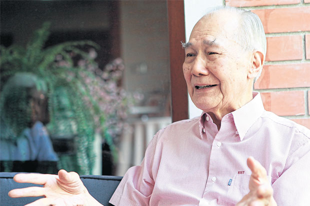 Former prime minister Anand Panyarachun: 'I always had this hope that we would muddle our way  through. But in the past five or 10 years, we were at a total loss.' Thanarak Khunton