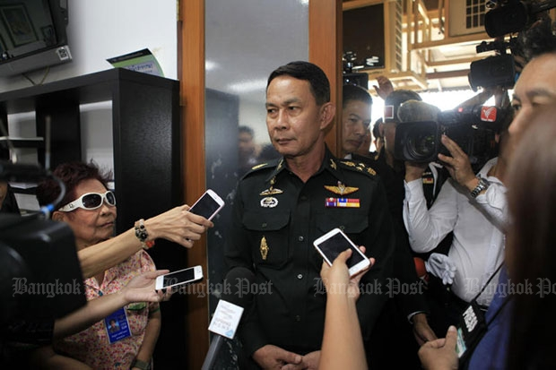 Gen Preecha Chan-o-cha talks to reporters before attending a meeting of the Defence Council on Monday morning. (Photo by Apichart Jinakul)