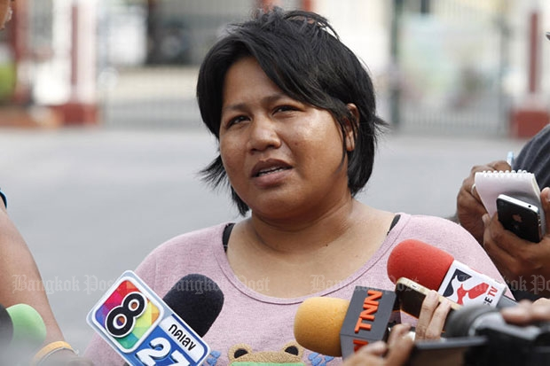 Patnaree Chankij talks to reporters after the release. (Bangkok Post file photo)