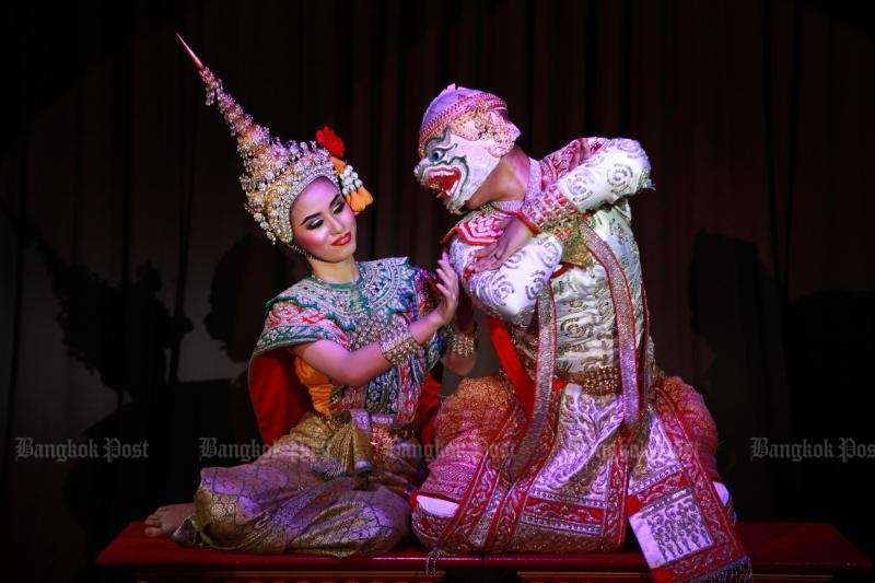 Khon performers put on a show on National Children Day in Bangkok. (Photo by Somchai Poomlard)
