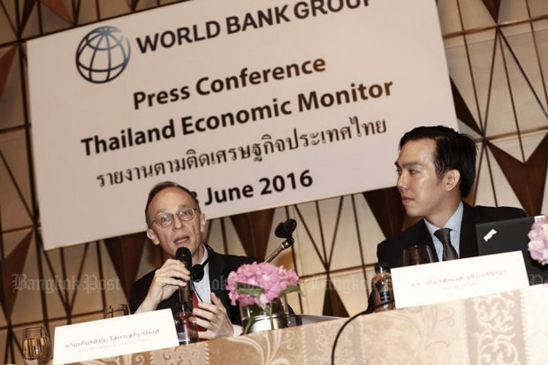 Ulrich Zachau, the Southeast Asia region director of the World Bank, had mostly bad news about Thailand at a media briefing on Tuesday. (Post Today photo)