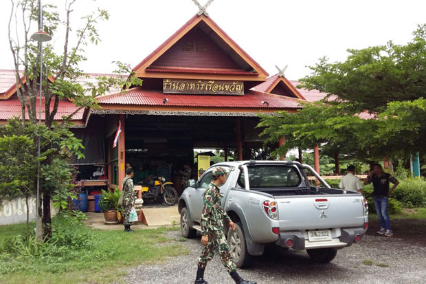 The Ruan Kwan restaurant, on 6-rai of land inside the boundary of Khao Yai National Park, stands deserted when officials arrive to close it down on Wednesday.(Photo: Manit Sanubboon)