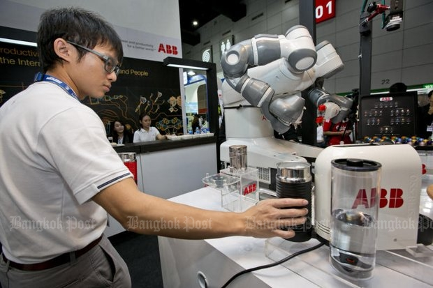 YuMi the barista robot from ABB Robotics made coffee for all the attendees at last month's Manufacturing Expo 2016 at Bitec Bang Na - and could begin replacing human workers at coffee shops and franchises at any time. (Post Today photo)