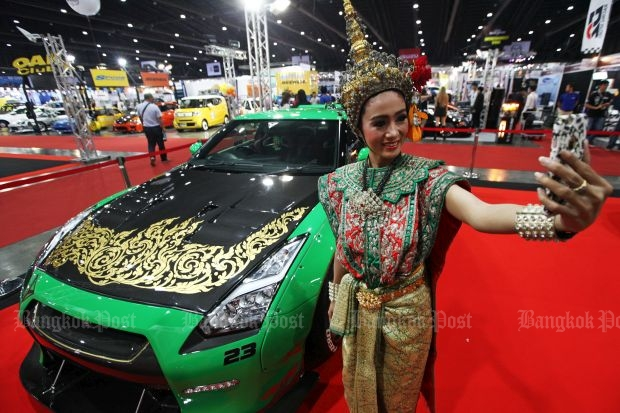 Traditional motor show model or