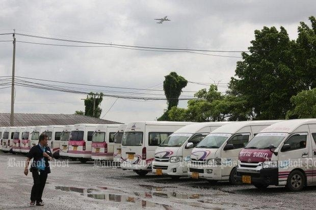 Authorities have seized numerous vans, cutting off a method of transportation for commuters without thinking the problem through. (Photo by Pattanapong Hirunard)