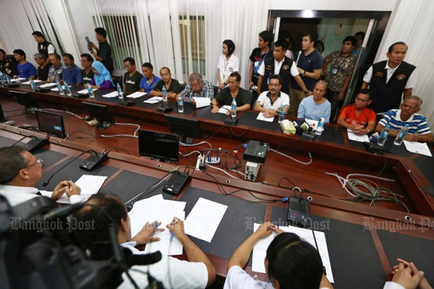 Authorities show 15 anti-government suspects at the Crime Suppression Division in Bangkok on Friday. (Photo by Seksan Rojjanametakun)