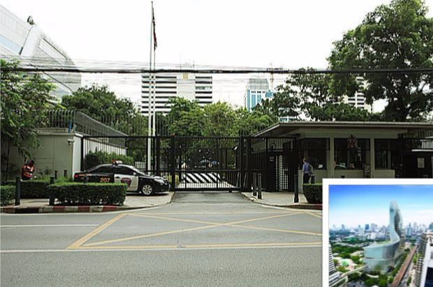 The British embassy is shopping for buyers for the rest of its historic Wireless Road land, 23 rai with an estimated value of 18 billion baht-plus. (Photo by Somchai Poomlard); Inset: The Central Embassy built on a 9.5 rai plot the British Embassy sold a decade ago.
