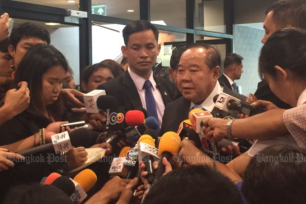 Deputy Prime Minister and Defence Minister Prawit Wongsuwon talks to reporters at Government House on Thursday. (Photo by Wassana Nanuam)