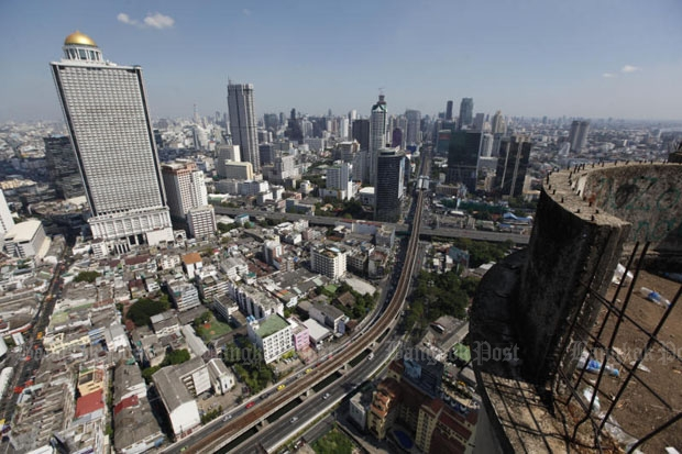 Bangkok's Sathon and adjacent districts are under close watch for possible Zika virus transmission after 21 people were diagnosed with the disease in Sathon. (Photo by Pattanapong Hirunard)