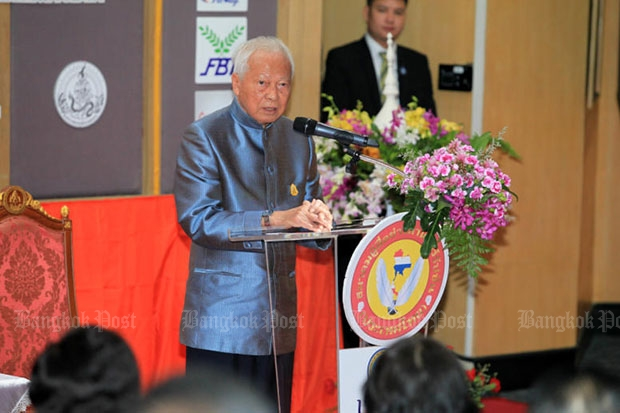 Privy Council president Gen Prem Tinsulanonda gives a speech on anti-corruption during a seminar held at the University of Thai Chamber of Commerce on Friday. (Photo by Chanat Katanyu)