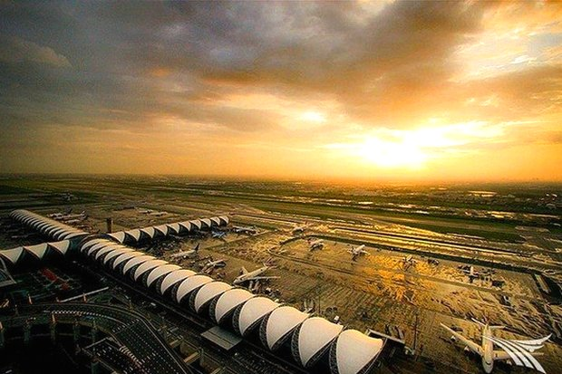 Opened in 2006 to handle a maximum of 40 million passengers a year, Suvarnabhumi airport is already handling 50 million and urgently needs expansion. (Photo via Google Maps)