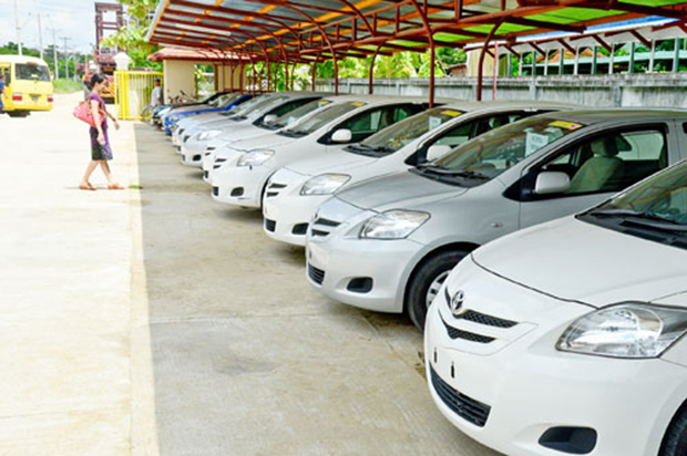 Myanmar suspends auto imports in response to year-end rush