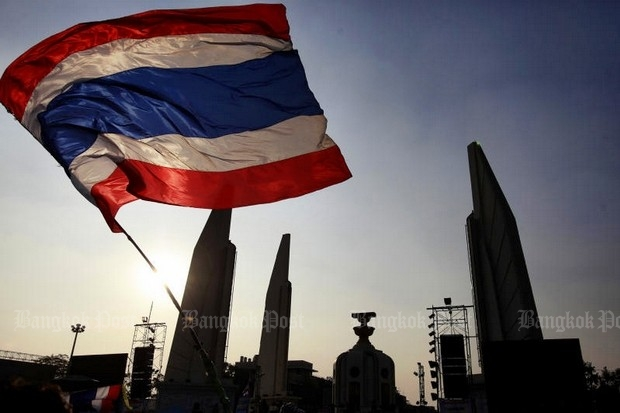 Democracy Monument on Ratchadamnoen Avenue, where many historic confrontations have taken place. (File photo)