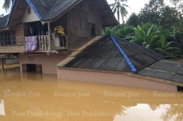 Many houses in Surat Thani were almost completely submerged during the last round of flooding and water levels remain high in some areas. SUPAPONG CHAOLAN