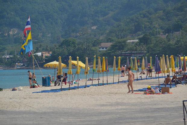 Patong beach in Phuket is popular among foreign tourists. (Photo by Achataya Chuenniran)