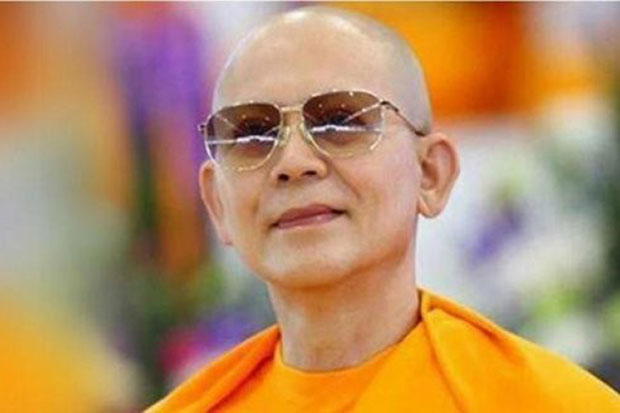Phra Dhammajayo: Stripped of monastic titles, but he remains a monk. (File photo)