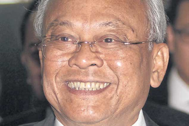 '' This is a matter  for the Pheu Thai  Party, now is not  the right time.  Suthep Thaugsuban  Former protest leader