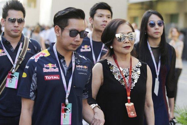Boss and mother Daranee attend last year's Abu Dhabi Grand Prix. (Photo via social media)
