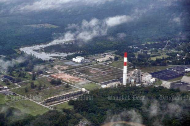 Aerial photo shows a gas-powered electricity generating plant in Krabi. Halting plans to build a coal-fired power plant leaves authorities with the responsibility to maintain energy security in the South. (Photo by Seksan Rojjanametakun)