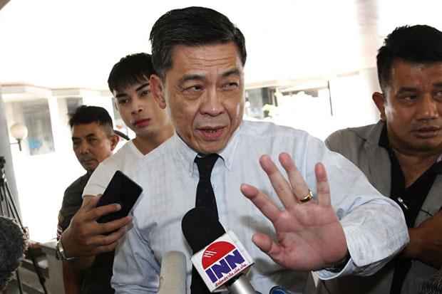 Suthi Kittisuppaporn, director-general of the prosecution office, talks to reporters at the South Bangkok Criminal Court on Thursday. (AP photo)