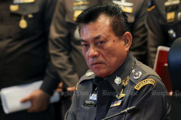 Pol Lt Gen Thitirat Nongharnpitak, commander of the Criminal Investigation Bureau (CIB) says police are installing software to allow surveillance of individual citizens online. (Post Today photo)