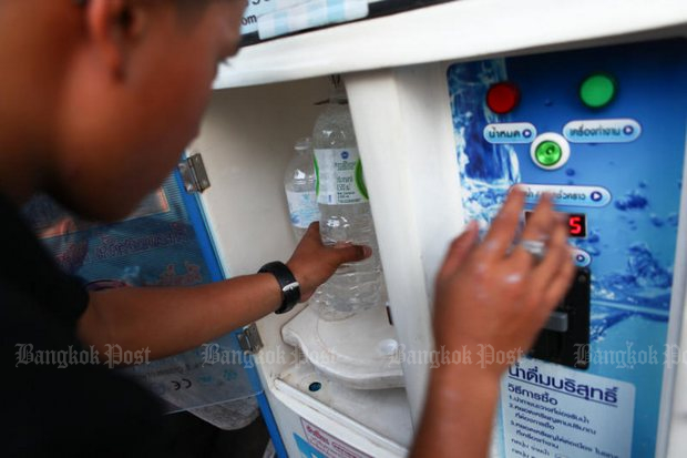 Drinking water from around 40% of coin-operated dispensers surveyed was found to be below standards or downright dangerous. (File photo by Panupong Changchai)