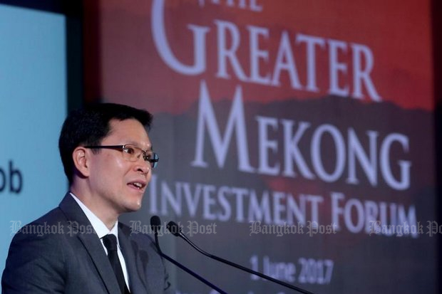 The central bank governor says most of today's investment in property does not come from loans. (Photo by Benjapol Amornjiarasak)