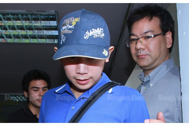 Vorayuth Yoovidhya is brought to the Police General Hospital to undergo a blood test on Sept 4, 2012. (Bangkok Post file photo)