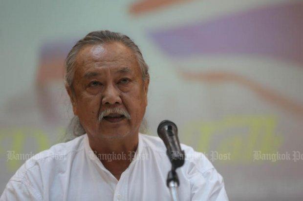 Seksan Prasertkul at a Thailand 4.0 seminar Monday: 'State elites intensely proactive'